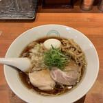 麺屋 六感堂 - らーめん 味玉つき(醤油) ('21/04/10)