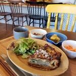 カフェ セゾン - 料理写真:キッシュ(かぶとエビとバジル)