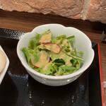 登竜門 - サラダ。 美味し。