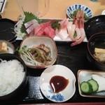 虹乃丘 - 刺身定食