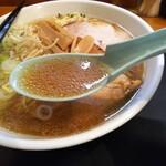 大勝軒 - 「らーめん(ふつう)」スープ