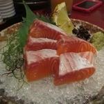 わさび - 料理写真:サーモン刺 680円