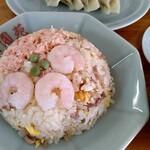 美園苑 - 料理写真:五目チャーハンと餃子(2個食べちゃった)