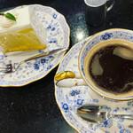 ニシキヤ洋菓子店 - 台湾カステラとコーヒー(ケーキセット)