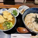饂飩とお酒 からほり きぬ川 - カレー丼定食