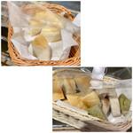 BiOcafe - 自家製ベーグルをカットしたパン お代わり自由。 ベーグルは店頭で販売もしています。