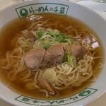 千草 - 料理写真:らーめん ¥700