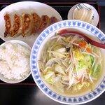 勢林 - 料理写真:たんめん餃子ライスセット