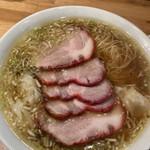 ウミガメ食堂 - チャーシューワンタン麺