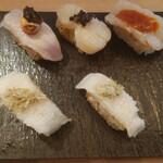 149415137 - 極み寿司(鮪ロッシーニ風、炙り帆立トリュフのせ、炙り海老雲丹ソース、えんがわの昆布〆炙り)