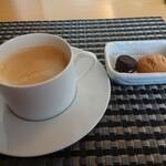 シェ・キノ - グランランチ、コーヒー
