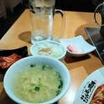 149423452 - セットメニューにキムチ、スープ、ダイコンサラダが付いてきました。