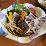 江戸前 びっくり寿司 - 初ガツオ刺身