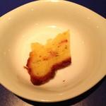 14943679 - 先付のジンジャーケーキ?(¥ 300)キャロットケーキのような食感の中にジンジャーの香りが程よくたっていました。