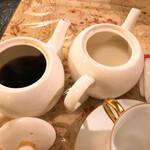 ゆりあぺむぺる - コーヒーとミルクが別々にくる!
