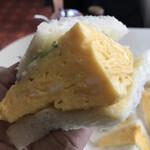 ラック - 玉子サンド、にゅ~~ん!