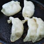 大龍一番 - 鉄鍋餃子
