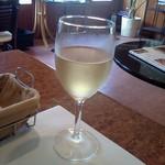ラ・ターブル・ドゥ・べべ - ドリンク1杯目、白ワイン