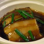 鳳凰閣 - 高菜入り豚の角煮鍋1260円