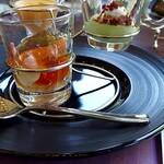 ビュッフェ&カフェレストラン ナイト&デイ - 「シェフからのご挨拶」前菜はじゃがいものスープ、甲殻類のジュレ、枝豆のムース