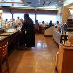 築地玉寿司 - 店内の様子。