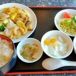 トータス - 料理写真:八宝菜ランチ