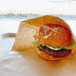 大湯えんがわカフェ - 料理写真:かづの短角牛バーガー