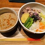 TAMA - 肉野菜そば 900円