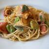 イル・ジラソーレ - 料理写真:本鱒とそらまめフレッシュトマトのパスタ