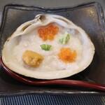 149486728 - トロロ寿司(雲丹、いくら、とびっこ)(中には鮪と舎利が入っています)