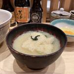 赤坂うまや うちのたまご直売所 - 南関揚げの味噌汁。