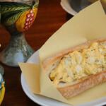 赤バル レッツェ - たまごパン