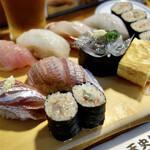 天史朗寿司 - 料理写真:地魚鮨(2,400円)