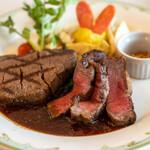 S.S.コロンビア・ダイニングルーム - 料理写真:2021.4 黒毛和牛フィレ肉のステーキ、赤ワインソース