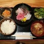 Kyoudoshukouaomoriya - 本日のお刺身定食