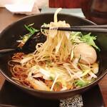 亀戸らぁ麺 零や - 醤油そば(税込700円)+ 煮卵(税込100円)
