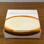 アトリエ・ド・フロマージュ - 料理写真:・生チーズケーキタルト 1,404円/税込