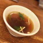 萬福 - ポークライス(880円)付属のスープ2021年4月