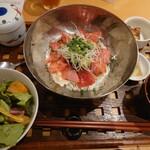 マキバ スタイル - 本まぐろアボカド丼