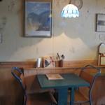 14952920 - ナチュラルで、温かみのある和む店内です。