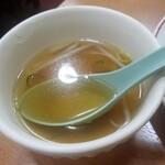 149532356 - パタン麺に付く スープ