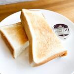 トースト(バター付)