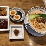FARO 花楼 - 味玉、赤山椒、四川ダレと食べ放題の搾菜
