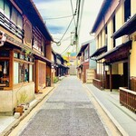 149551035 - ◎『緒方』は烏丸に近い四条通りから一歩入った膏薬辻子(こうやくのずし)沿に佇んでいる。