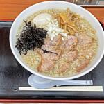 肉煮干中華そば 鈴木ラーメン店 - 「背脂煮干」¥780+「味玉」¥100
