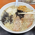肉煮干中華そば 鈴木ラーメン店 - 海苔の風味が濃いバラ海苔