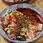 焼肉 大松屋 - ホルモンマニア10種盛り
