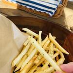 クレープリー・スタンド シャンデレール天王寺 - ポテトは地球最後の日に食べると決めている\( 'ω')/