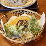 塩の道づれ家 - 地元野菜の天ぷら