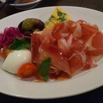 La Bonta - アンティパスト:「イタリアのお皿」